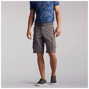 Men's Gray Belted Cargo Shorts Size 32 NWT